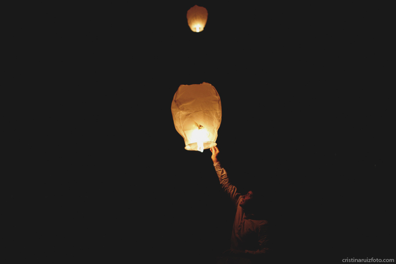 Globos de luz en la celebración de la boda civil en Toledo
